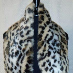 """CACHE scarf FAUX FUR Animal Print Women's 36""""L X 6"""